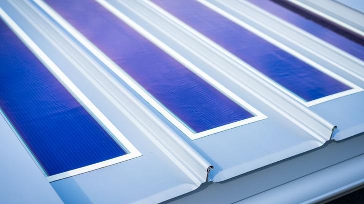Zambelli Integriert Auf Dem Metalldach Photovoltaik